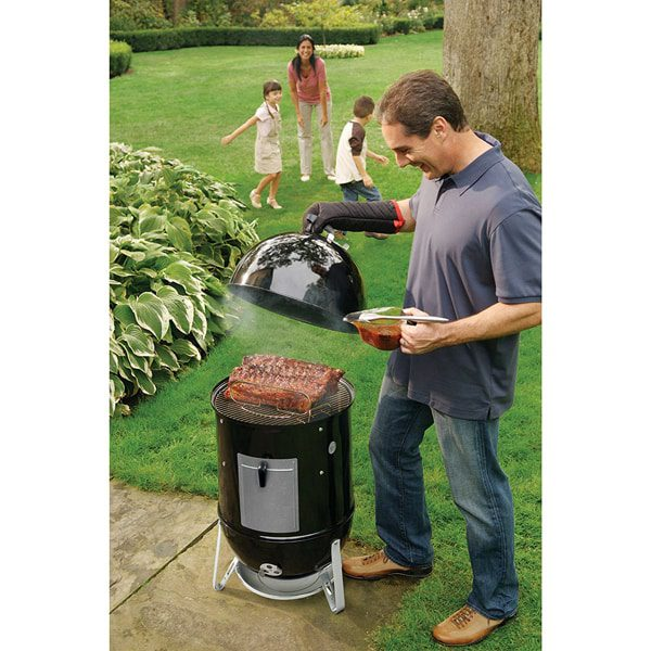 weber smokey mountain cooker 18 charcoal smoker black northwoods wholesale outlet. Black Bedroom Furniture Sets. Home Design Ideas